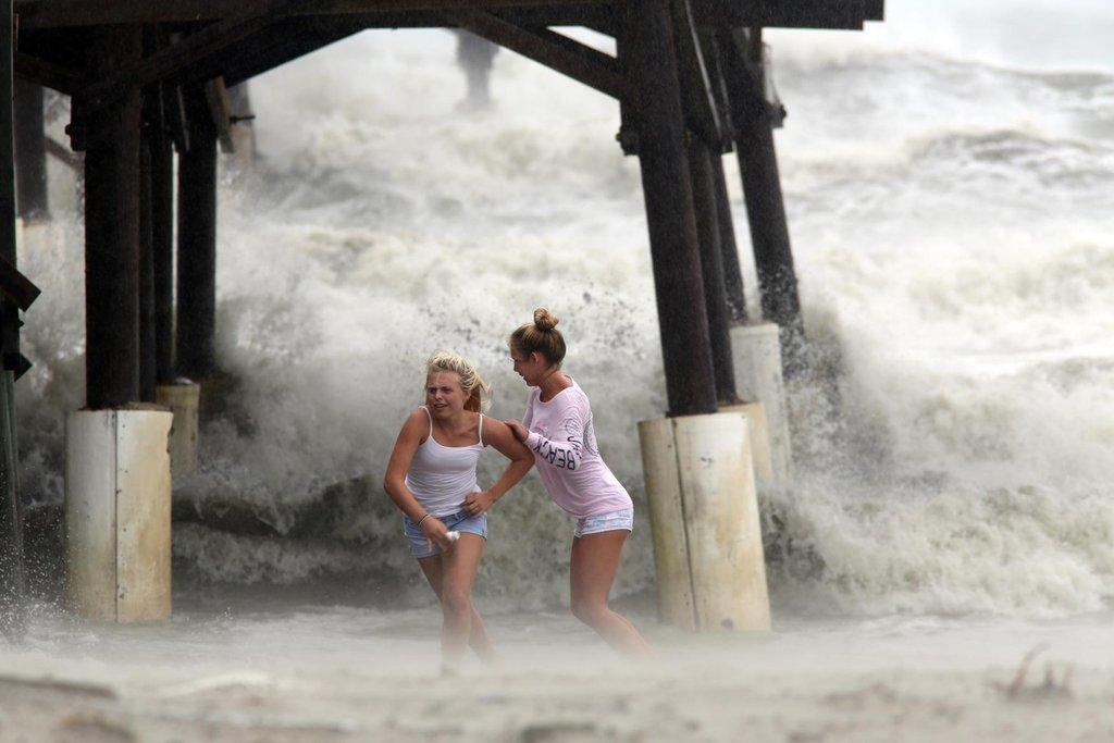 Vítr a déšť, hurikán Matthew řádí na Floridě.