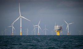 Větrné turbíny u pobřeží Belgie, ilustrační foto