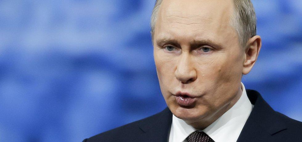 Putin Vladimir na ekonomickém foru v Petrohradě.(Zdroj: ČTK)