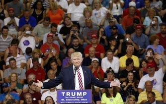 Trump se svými příznivci během předvolební kampaně. Ilustrační foto