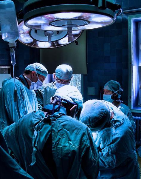 operace, chirurgové