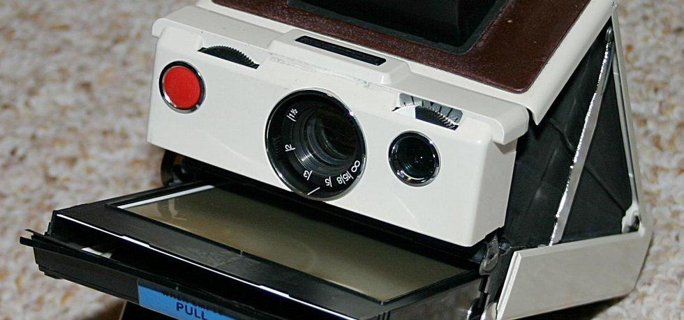 původní instatní fotoaparát společnosti Polaroid