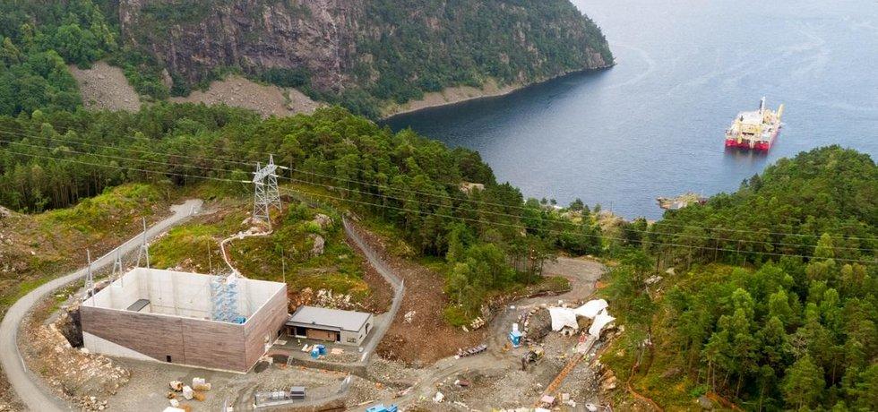 Začátek výstavby projektu NordLink v norském Vollesfjördu.