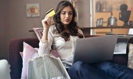 Platby online lákají stále více Čechů.