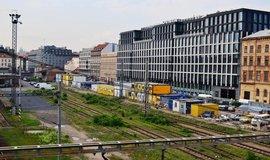 Florentinum a protější nevyužívané pozemky pražského Masarykova nádraží