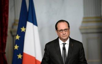 Teroristické útoky zorganizoval Islámský stát, oznámil francouzský prezident François Hollande