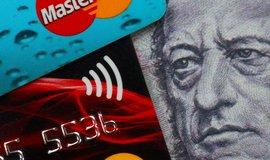 Platební karty nebo hotovost?
