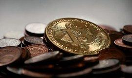 Bitcoin klesl nejníže za půl roku, dostal se pod 7000 dolarů
