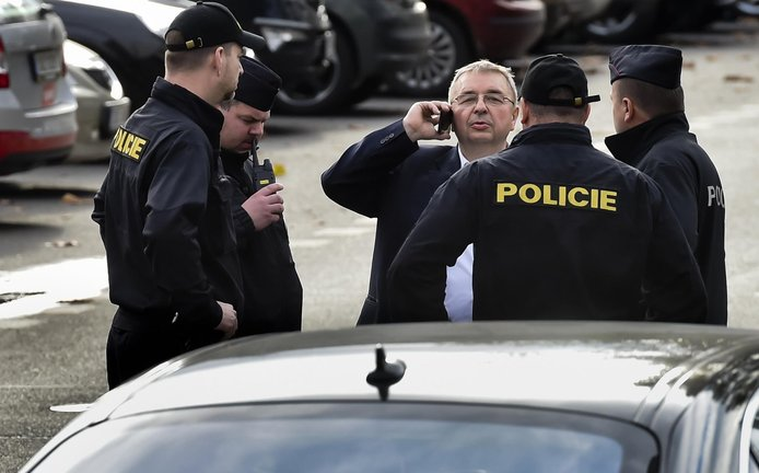 Bývalý tajemník SPD Jaroslav Staník v doprovodu policie