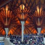 Pancho Arena na první pohled zaujme svou zdobenou dřevěnou střechou