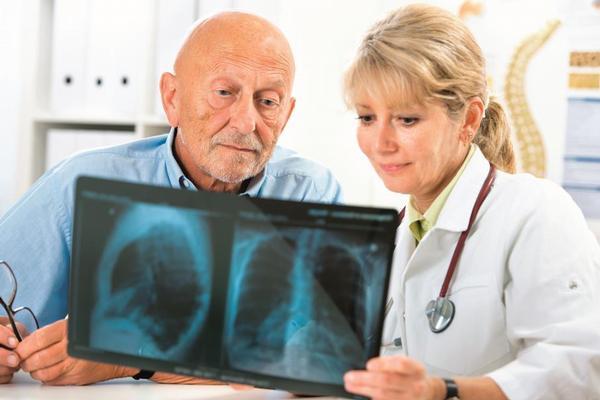 lékařka, rentgen, rtg, plíce,