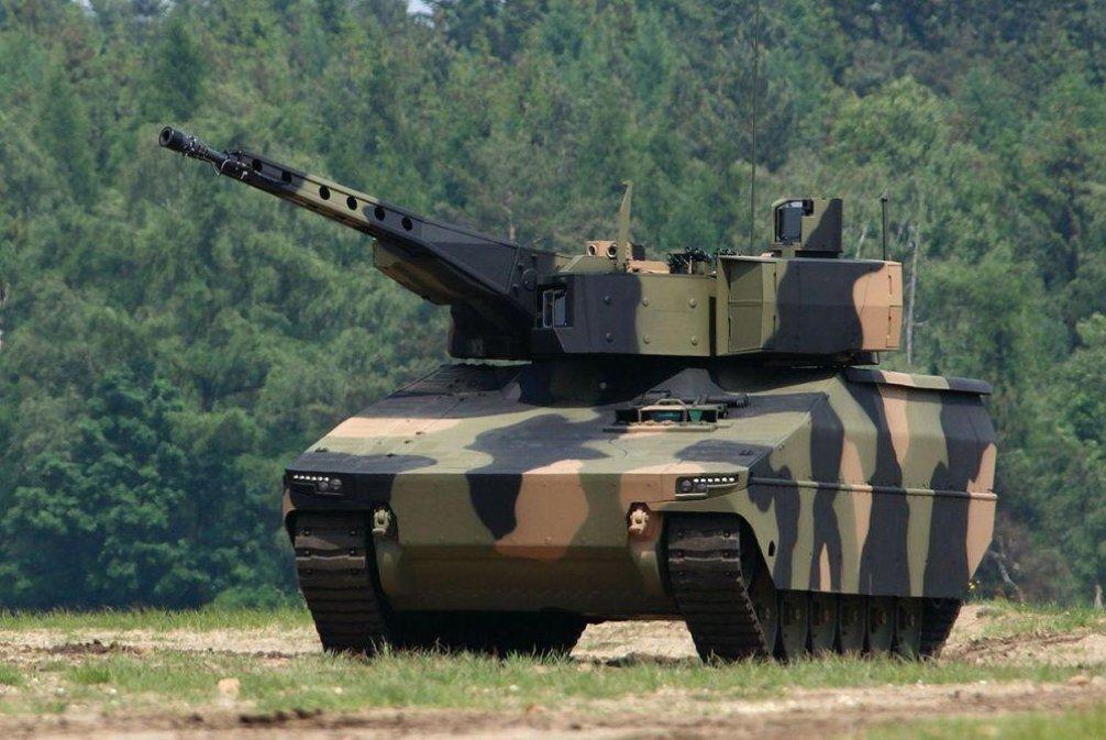 Lynx. Výrobce: PSM (Krauss-Maffei Wegman + Rheinmetall), Německo