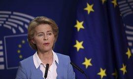 Von der Leyenová se stane šéfkou Evropské komise, do funkce ji těsně potvrdil europarlament