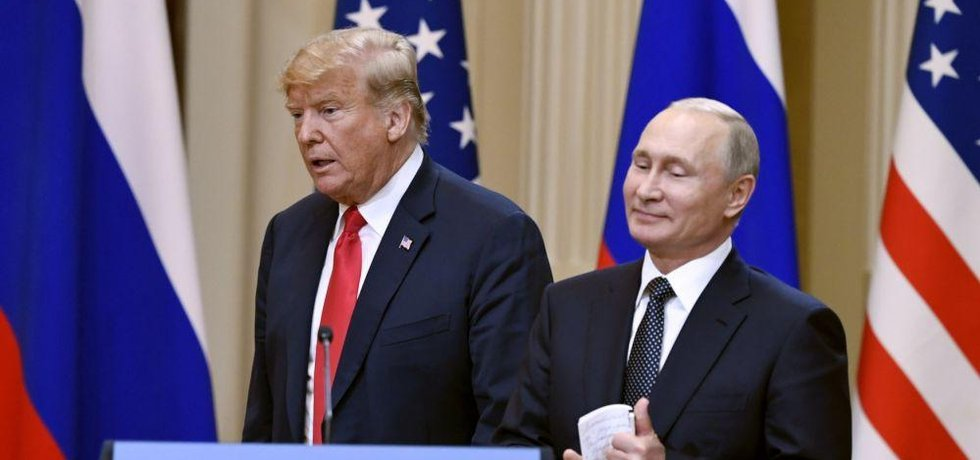 Americký prezident Donald Trump se svým ruským protějškem Vladimirem Putinem