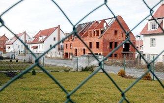 Nedostavěné domy projektu H-System