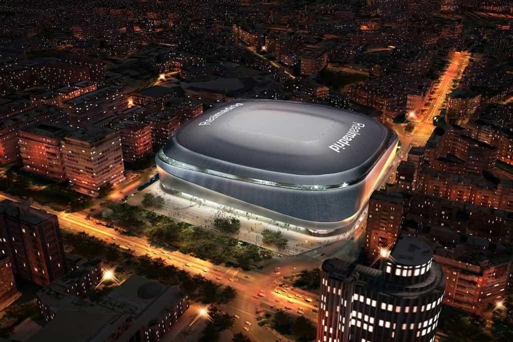 Fotbalisté Realu Madrid by na zrekonstruovaném stadionu měli začít hrát v roce 2021
