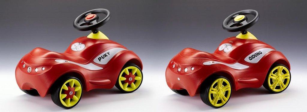 3. místo v soutěži Plagiarius 2018. Dětské autíčko PUKY Racer. Originál výrobce PUKY GmbH & Co. KG vpravo. Vlevo plagiát Xingtai Kurbao Toys Co. Dostupné například online přes alibaba.com.