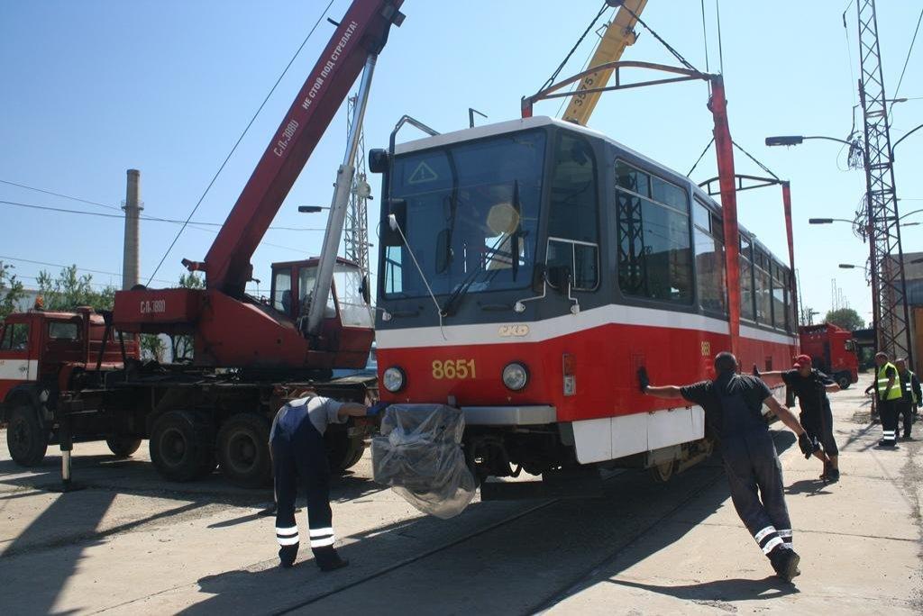 Dpravní podnik tramvaje nabídl formou obálkové metody