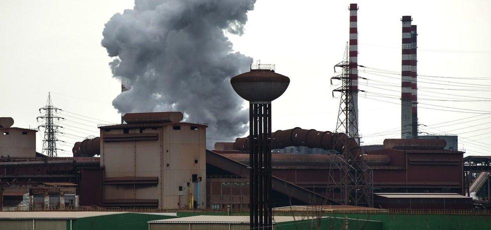 Ocelárna Ilva v jihoitalském Tarentu, ktrá čelí nařčení, že otrávila 400 lidí, je pod nucenou správou a vyhlašuje stávku. Arcelor Mittal ji přesto chce