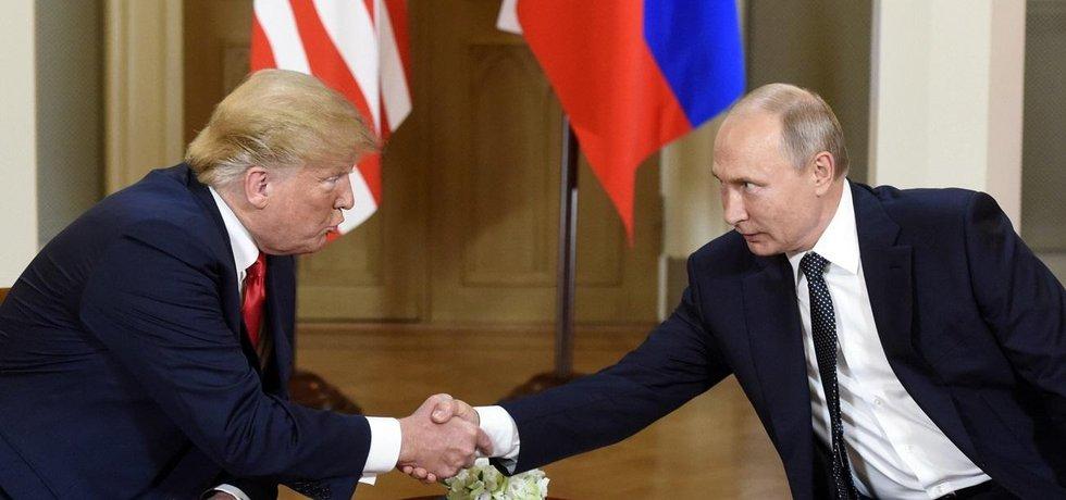 Americký prezident Donald Trump a jeho ruský protějšek Vladimir Putin