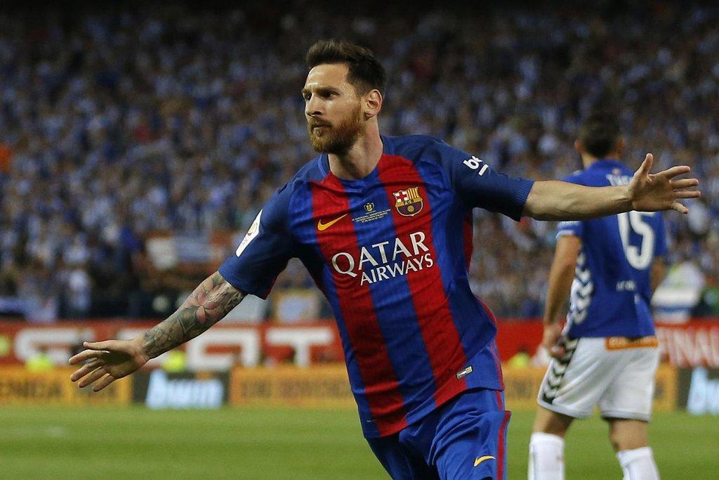 3. Lionel Messi (fotbal) – 80 milionů dolarů. Messi se stal nejlepším střelcem španělské La Ligy, titul s Barcelonou ale nevyhrál. Během příštích měsíců se mu nejspíš zvedne plat, protože začne vyjednávat o nové smlouvě. Pokud by se s Barcelonou nedohodl, čekají na příležitost bohaté kluby jako Manchester City či Paris Saint Germain.