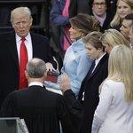 Donald Trump skládá prezidentský slib