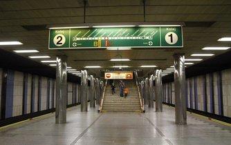 Opravy čekají stanice metra Skalka, Dejvická a Náměstí Republiky