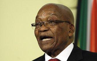 Hrabal pod sebe. Jacob Zuma bral milionové úplatky, zatímco Jižní Afrika pod jeho vedením chudla.