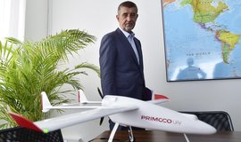 Premiér Andrej Babiš na návštěvě firmy Primoco, která vyvíjí bezpilotní letouny