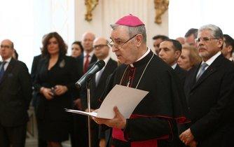 Apoštolský nuncius v České republice Giuseppe Leanza