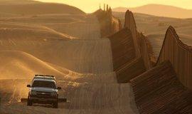 Zeď na hranici USA a Mexika je opět blíž realizaci