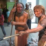 Rekonstrukce podoby Neandrtálců v německém muzeu Neanderthal Museum.