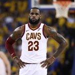 6. LeBron James (basketbal) – 85,5 milionu dolarů. Nejlépe vydělávající basketbalista světa protáhl svou úžasnou šňůru účastí ve finále NBA na číslo osm. Ambasador Nike bude v létě volným hráčem a o jeho služby se strhne velký boj. Kdyby z malého Clevelandu přestoupil do velkoměsta za velkým trhem, mohl by si z reklam vydělat ještě výrazně více než doposud.