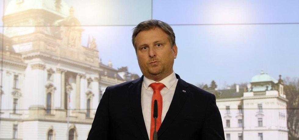 Ministr spravedlnosti Jan Kněžínek se rozhodl rezignovat
