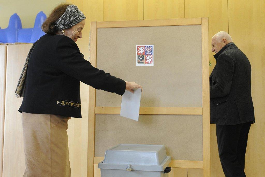 Češi zvolili nové poslance. Sněmovna se poprvé sejde 20. listopadu