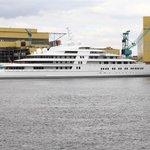 Azzam, se 180 metry nejdelší jachta světa, byla postavena v roce 2013 pro saúdskoarabského prince Al-Valíd bin Talála