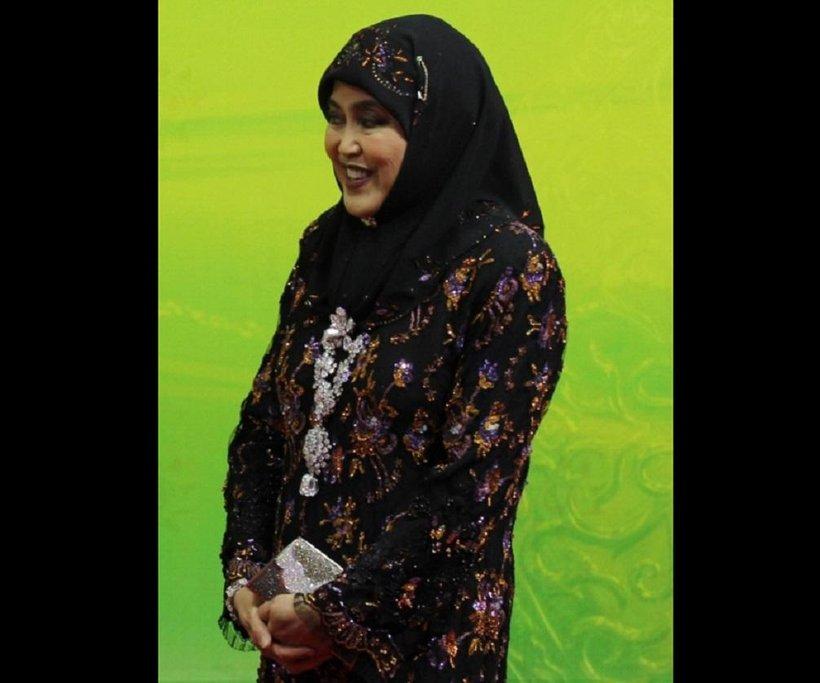 Saleha Mohamed Alam, královna Bruneje v roce 2013.