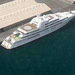 Jachta Dubai šejcha Muhammada ibn Rašíd al-Maktúma zaostává za plavidlem Romana Abramoviče jen o jeden metr