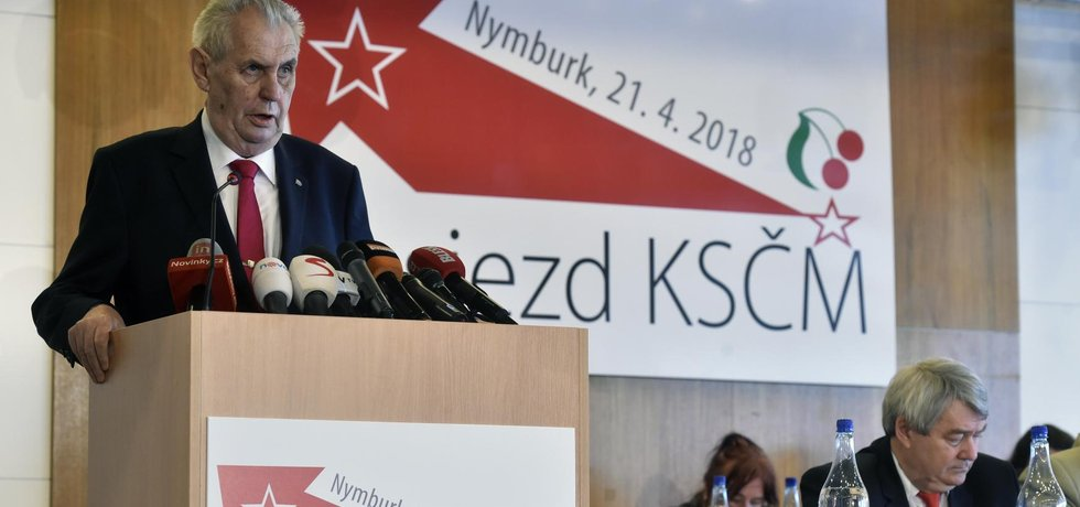 Miloš Zeman na sjezdu KSČM v Nymburku