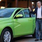 Putin propaguje model Lada Vesta v roce 2015 v Soči.