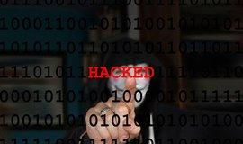 NATO zaspalo. Rusko a Čína mají v kyberprostoru převahu, varuje expert