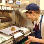 Zaměstnanci McDonald's dostanou v USA novou zbraň proti svému chlebodárci