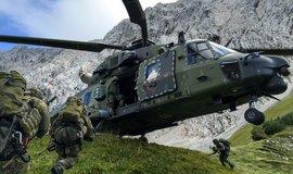 Cvičení německé armády s víceúčelovým vrtulníkem NH90. Ilustrační foto.