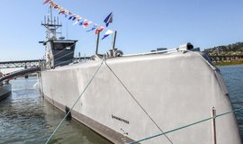 Američané pracují na vojenské lodi bez námořníků. Vydrží nepřetržitě hlídkovat tři měsíce