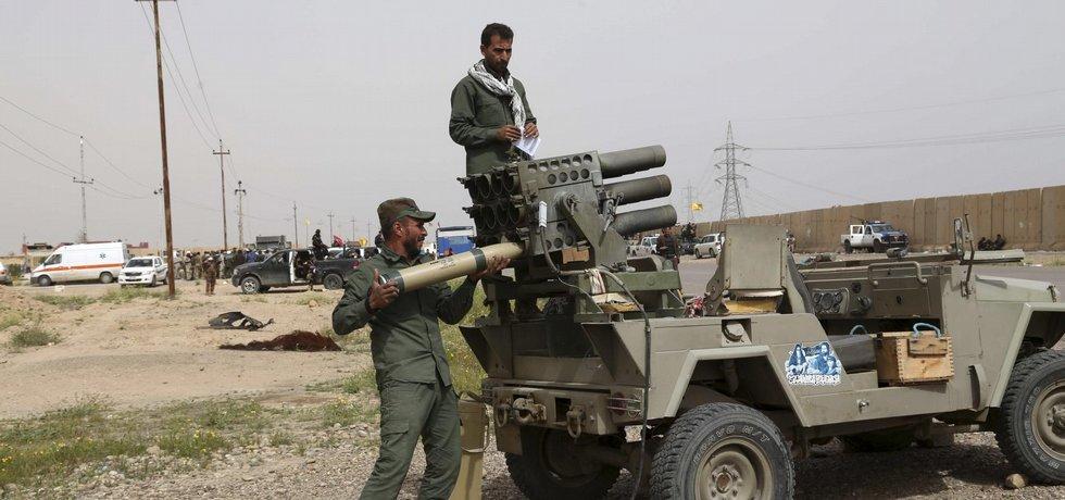 Šíitské milice nedaleko Tikrítu (ilustrační foto)