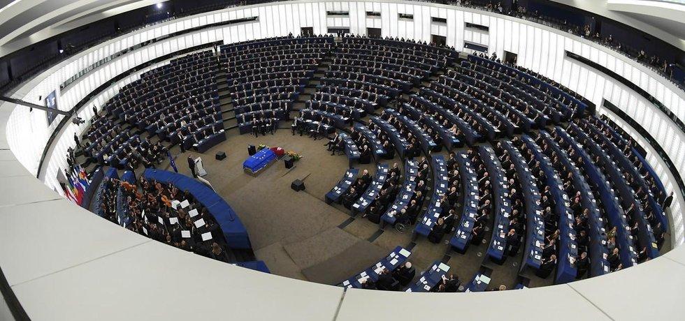 Rozloučení světových státníků s Helmutem Kohlem ve Štrasburku