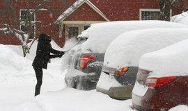 Automobily v zimě, ilustrační foto