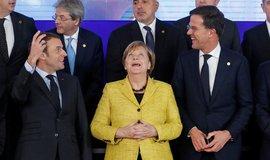 Francouzský prezident Emmanuel Macron, německá kancléřka Angela Merkelová a nizozemský premiér Mark Rutte, během jednání o PESCO