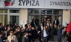 Alexis Tsipras vychází jako vítěz voleb před sídlo strany Syriza