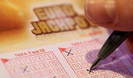 Čech vyhrál v loterii Eurojackpot 1,4 miliardy, vsadil si přes internet
